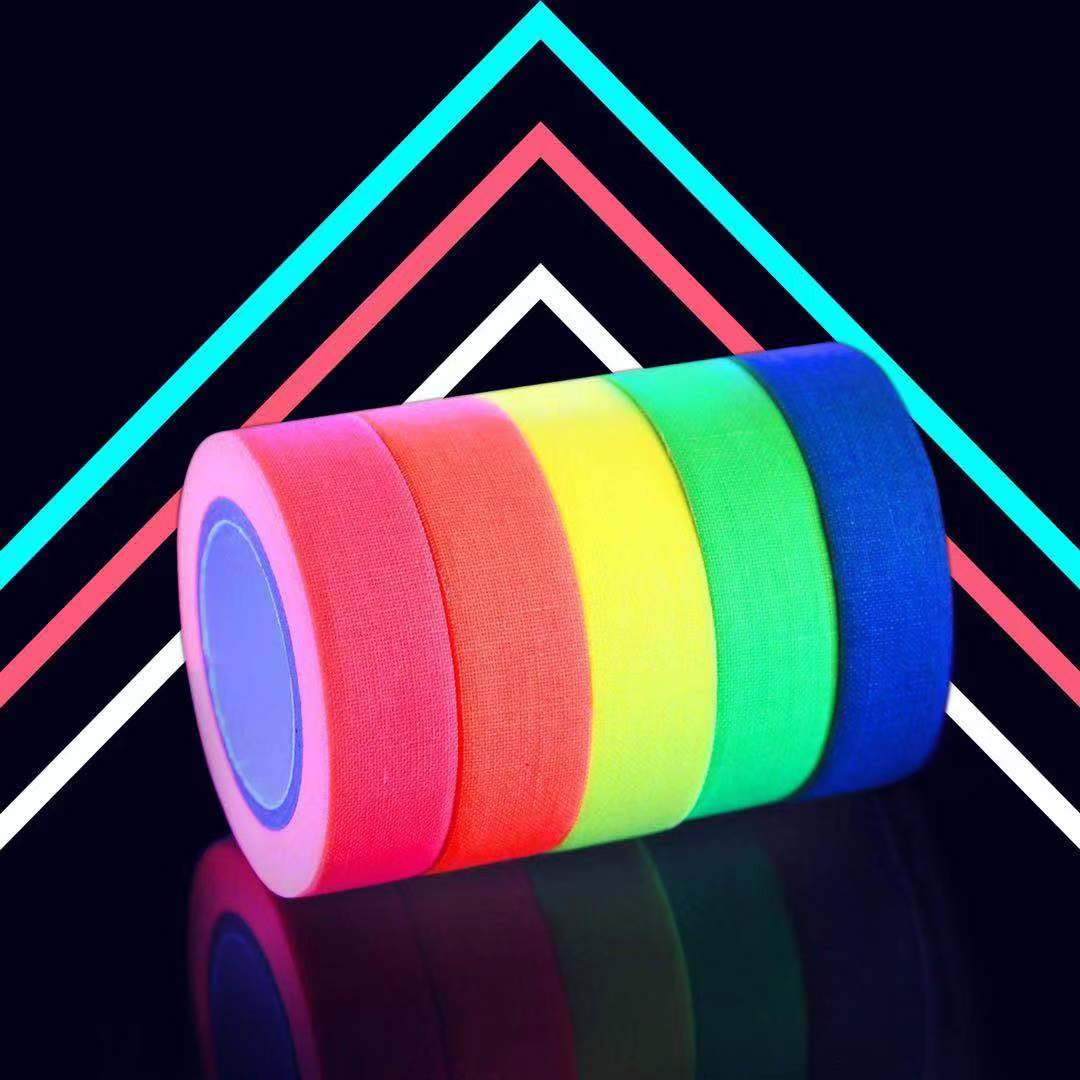 UV Blacklight Reactive Fluorescent per il Partito Art Craft Black Light Decorazioni di Halloween Glow in The Dark Gaffer Tape 15MM*5M Per Rotolo Nastro Fluorescente Neon Tape Tape Neon- 5 Colori