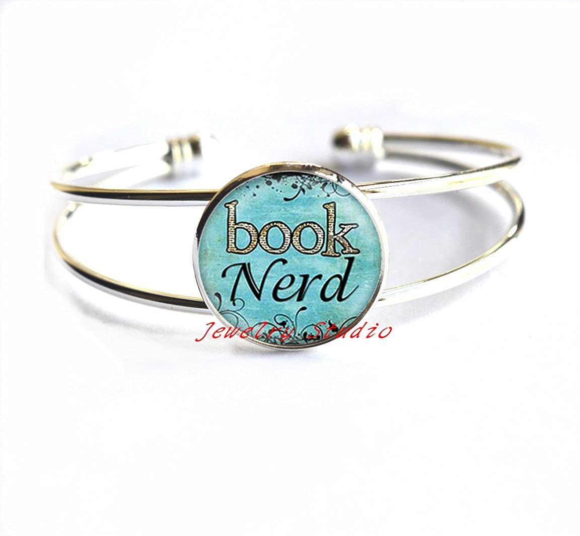 Book Lover Bracelet Charming fashion Bracelet,Book Nerd Bracelet Glass Art Print Jewelry Charm Gifts for Her or Him Book Lover Teacher Librarian,Literary Jewelry Gift For Author or Writer-HZ00252