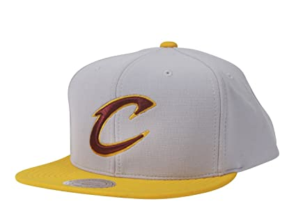 online store ecc8b e9f9f Mitchell   Ness NBA The Cloud Poly Adjustable Snapback Hat (Cleveland  Cavaliers)