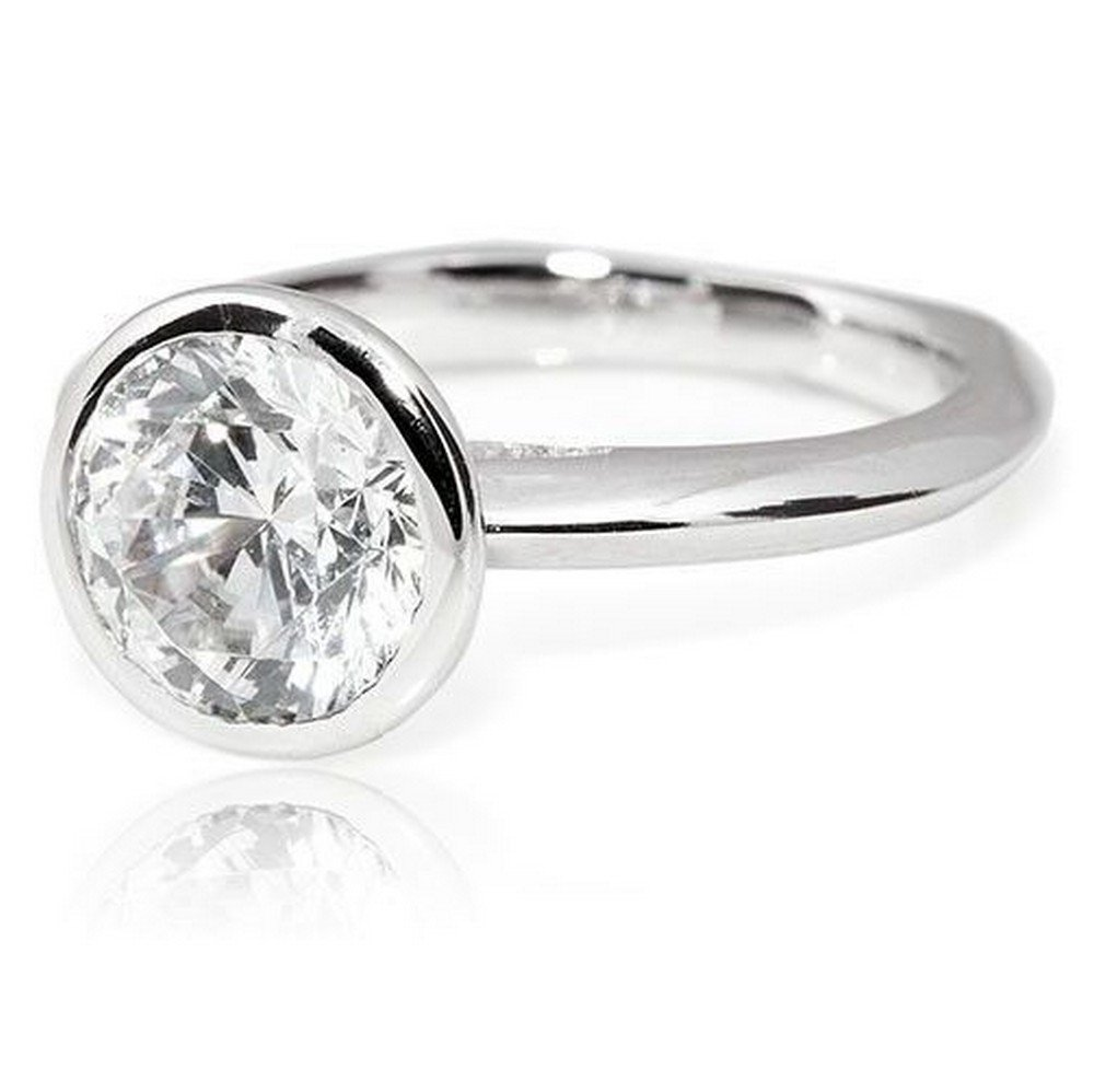 Platinum Bezel Round Cut Solitaire Diamond Engagement Ring (3 Carat E-F Color I1 Clarity)