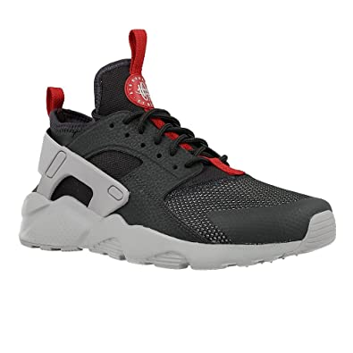 b0deb959adb0 Amazon.com  Boys  Nike Air Huarache Run Ultra (GS) Shoe  Shoes