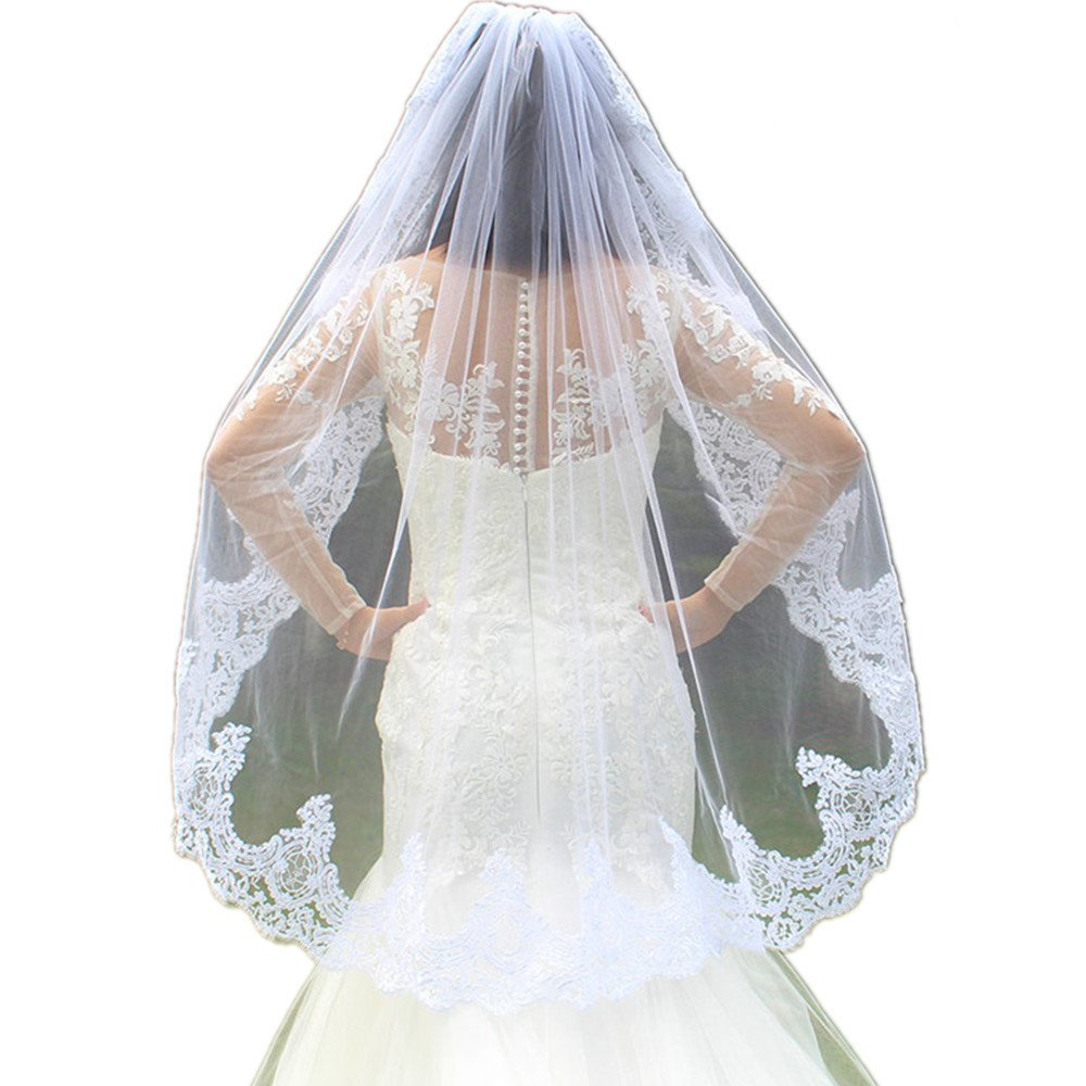 One Layer Lace Edge Short Woodland Wedding Veils with Comb Romantic White Ivory Tulle Bridal Veils (white)