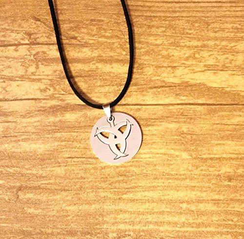 [Celtic Knot Cutout Pendant Necklace] (Biohazard Costumes)