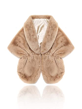 8270803ad1 Aukmla Sleeveless Faux Fur Bride Bridesmaids Shawl Wedding Fur Wraps and Shawls  Bridal Fur Stole with Stunning Rhinestones Brooch (Camel) at Amazon Women's  ...
