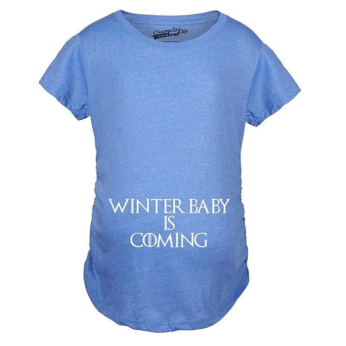 2d83282cc Crazy Dog Tshirts - Maternity Winter Baby Is Coming T Shirt Geeky Novelty  Pregnancy tee - Camiseta De Maternidad  Amazon.es  Ropa y accesorios