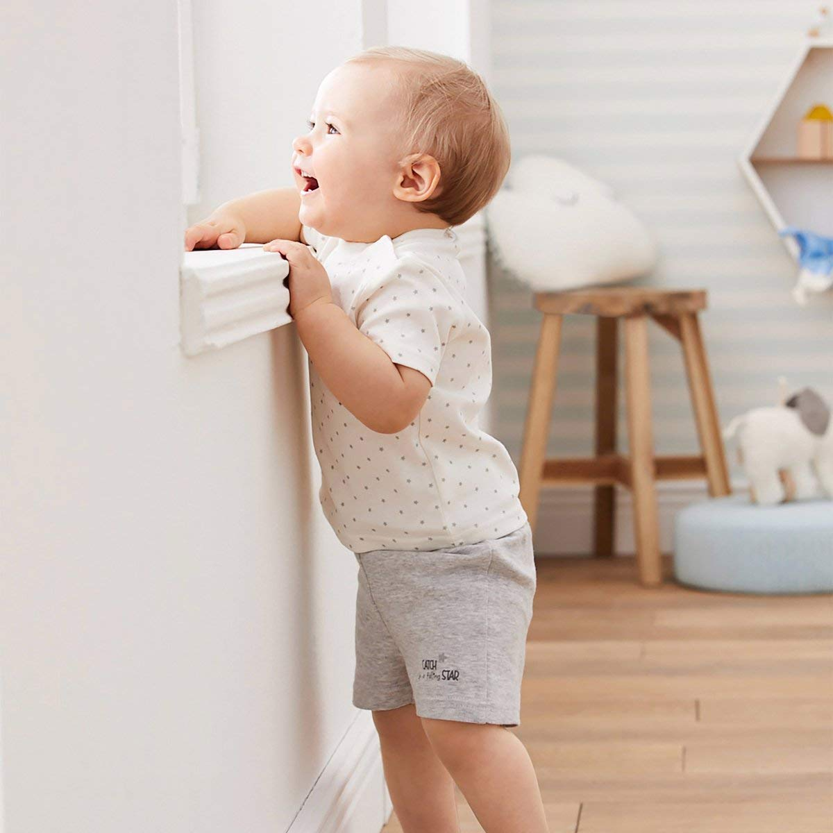 Bornino Basics Schlafanzug kurz Baby-Pyjama mit kurzen /Ärmeln /& Hosenbeinen Sterneallover//grau Melange Schlafhose /& Schlaf-Shirt