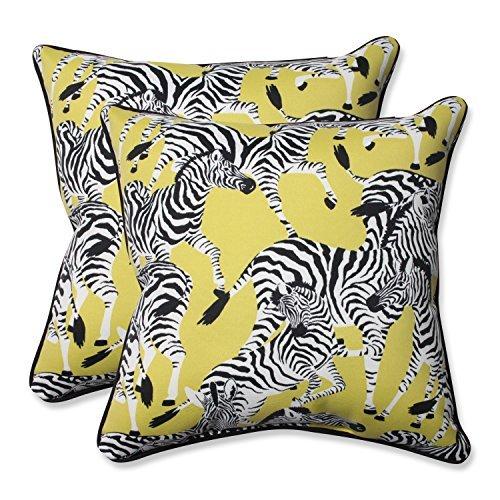 Pillow Perfect Outdoor/Indoor Herd Together Wasabi Throw Pillow (Set of 2), 18.5