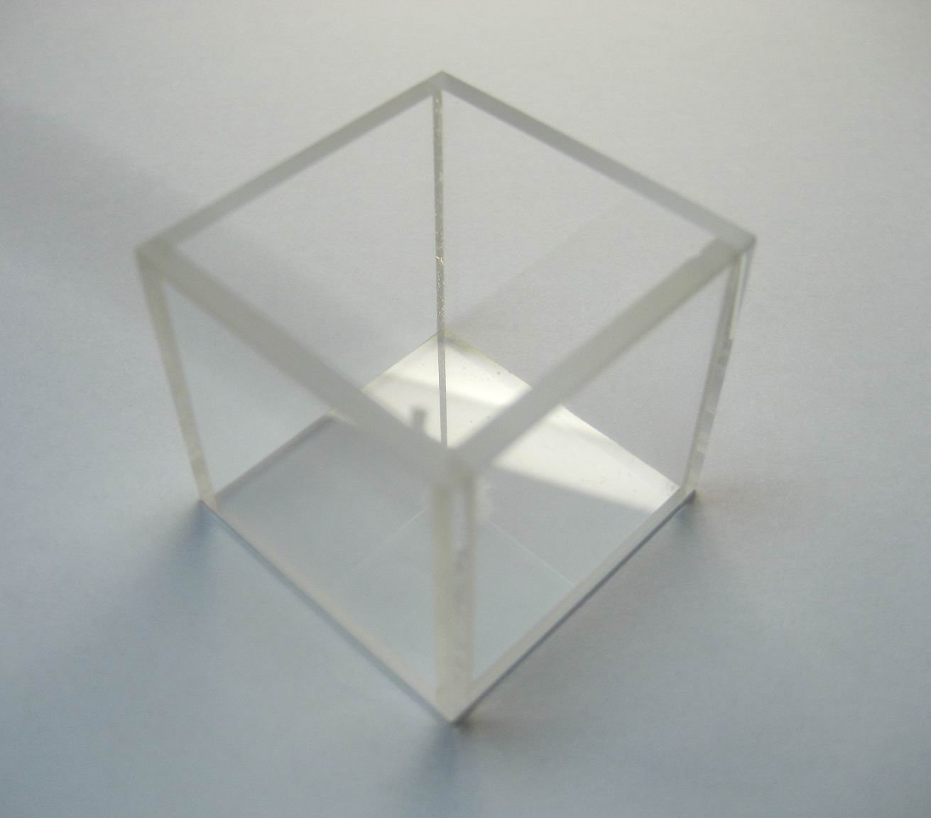 Customized Glass Fluorescence Cuvette,large Cuvette, Id:40mm X40 Mm X 40mm, Volume 56ml, Large Cell,large Cuvettes