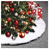 AMADE Christmas Tree Skirts White Luxury Faux Fur Tree Ornaments Plush XmasTree Skirt Christmas Decoration New Year Party Holiday Decorations Pet Favors (85cm/33.4inch Dia)
