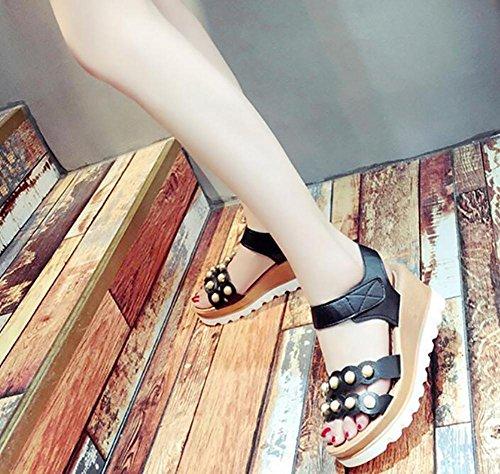 2017 verano nuevo gruesa base pendiente con sandalias expuestos toe plana abajo de zapatos de tacón alto 2