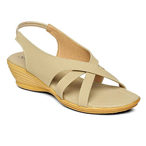 cb927f796690 PARAGON SOLEA Plus Women s Beige Sandals  Buy Online at Low Prices in India  - Amazon.in
