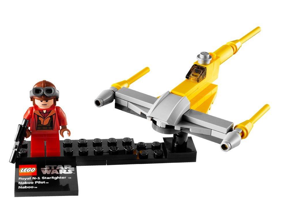 LEGO Star Wars 9674: Naboo Starfighter and Naboo: Amazon.co.uk ...