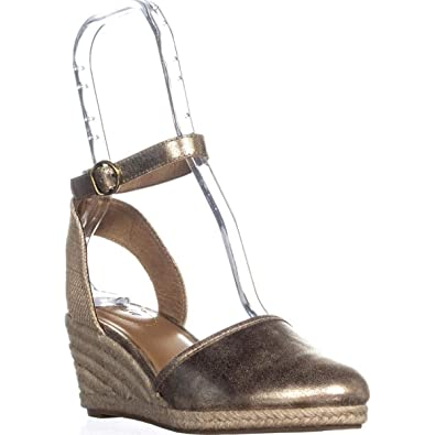 fc3a3c7c3d6 Amazon.com | Style & Co. Womens Mailena Closed Toe Casual Platform ...