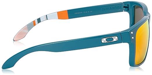 a5c56ffa8de Amazon.com  Oakley Men s Holbrook Aero Sunglasses
