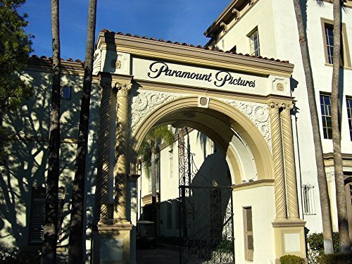 Home Comforts Peel-n-Stick Poster of Gate Entrance Gateway Studio Hollywood Paramount Poster 24x16 Adhesive Sticker Poster ()