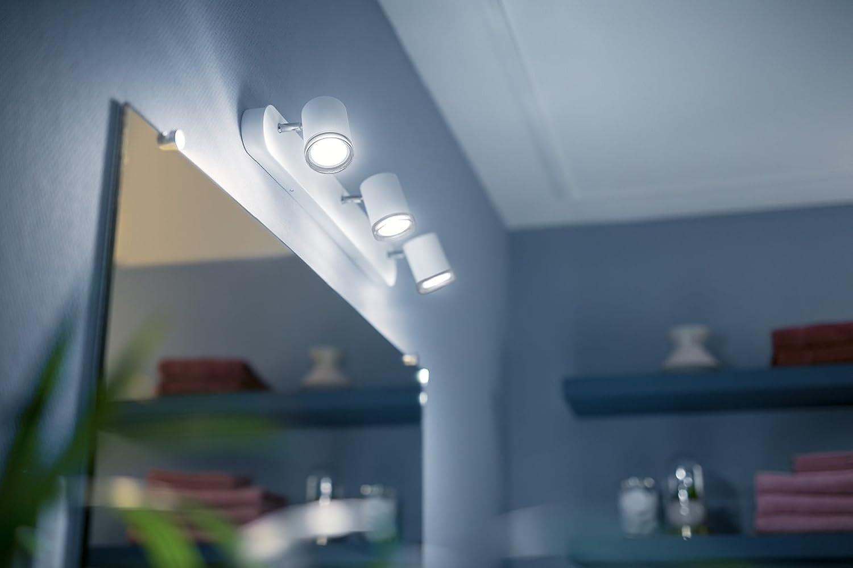 Philips Hue Adore - Barra con 16 focos LED inteligentes blancos para baño  con mando, luz regulable de blanca cálida (16K) a fría (16K),  iluminación