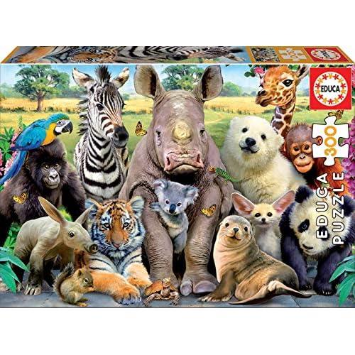 61 yUraD pL. SS500 Puzzles de 300 piezas , horas de diversión y entretenimiento; dimensiones aproximadas del puzzle montado: 40 x 28 cm Puzzles inspirados en Foto de Clase Compuestos por grandes piezas, perfectamente acabadas para que sea sencilla y segura su manipulación por los niños