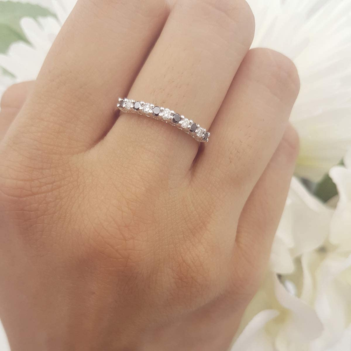 White Gold Dazzlingrock Collection 0.33 Carat 10K Round White /& Black Diamond Stackable Wedding Band 1//3 CT ctw