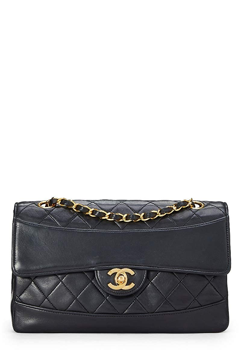 e8f1f8cdb917 CHANEL Black Quilted Lambskin Border Flap Small (Pre-Owned): Handbags:  Amazon.com