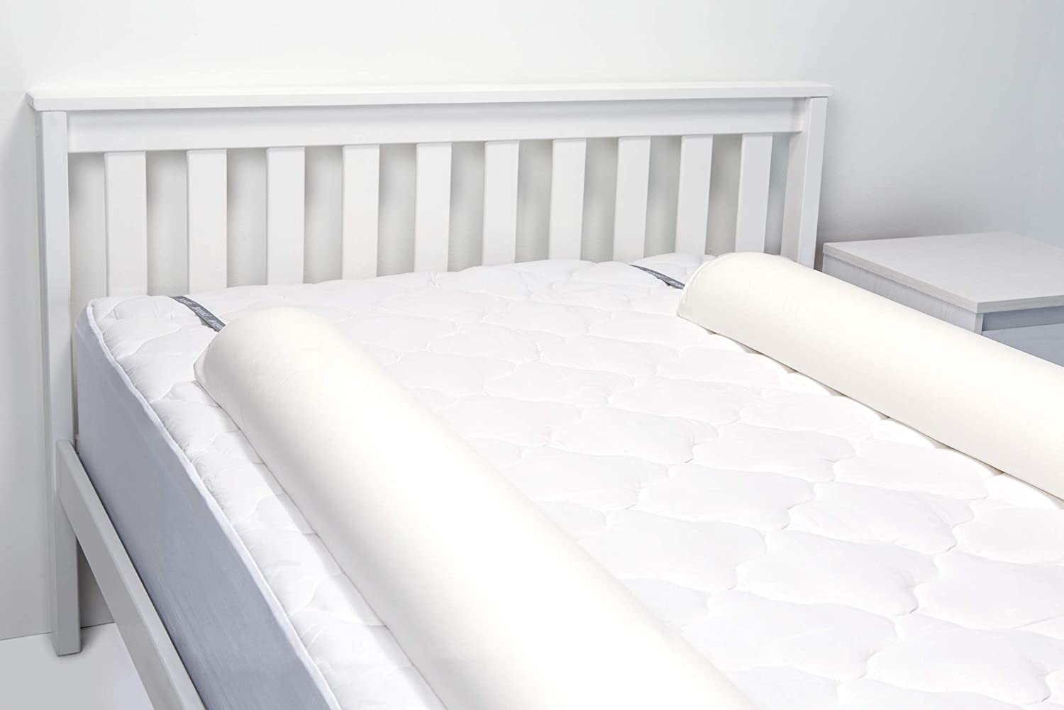 Regalo Double Sided Extra Long Toddler Bed Rail Bumper Foam Safety Guard for Bed White Double Sided