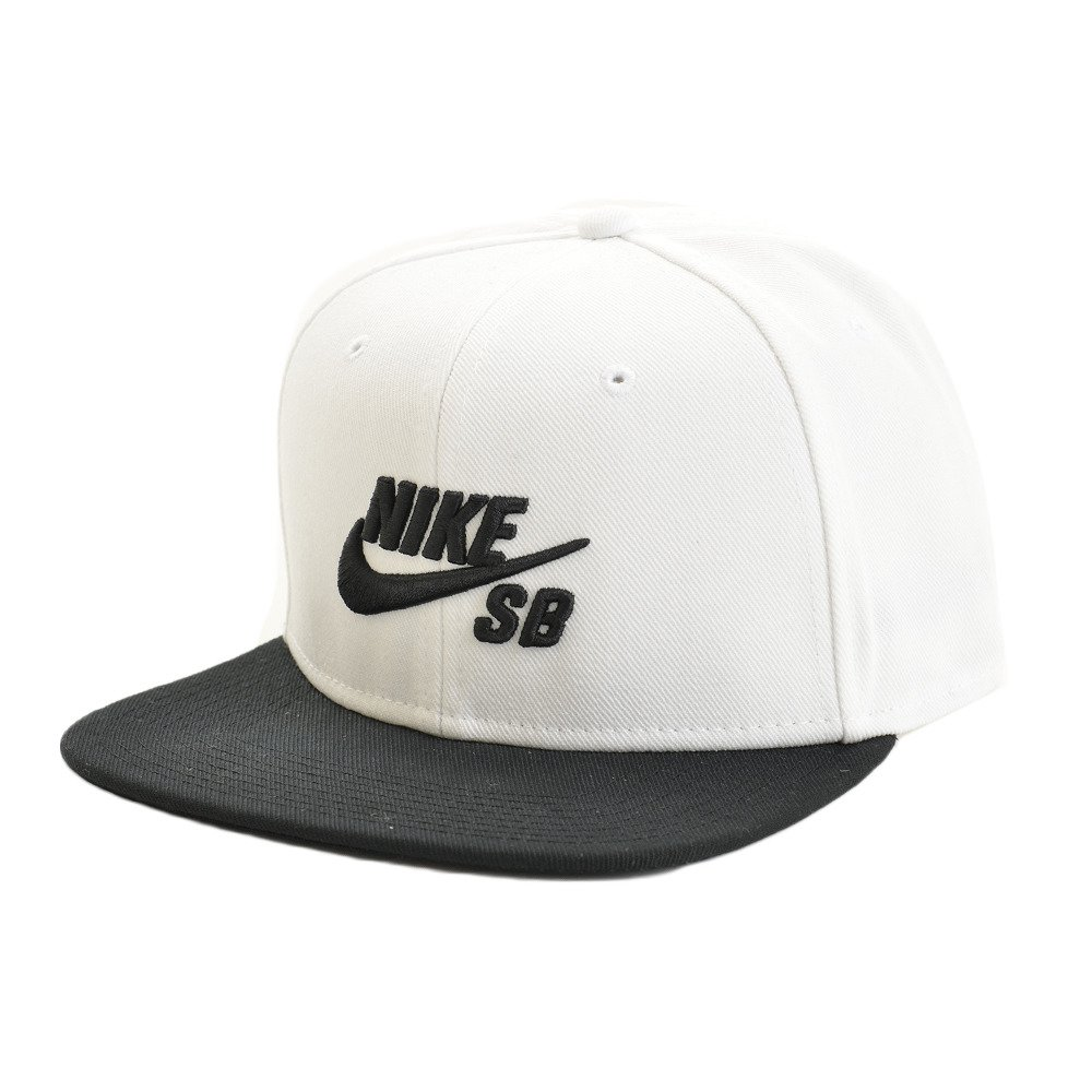 Amazon.com  Nike Mens SB Pro Snapback Hat White Black  Sports   Outdoors ee5c013befec