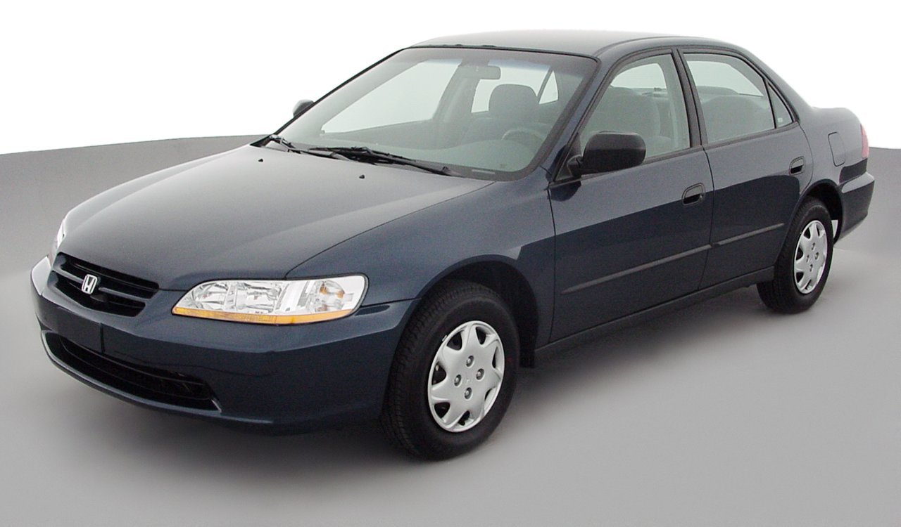 2000 Honda Accord Reviews Images And Specs Vehicles Transmission Dx 4 Door Sedan Automatic