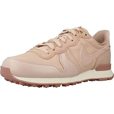 nike internationalist prm beige