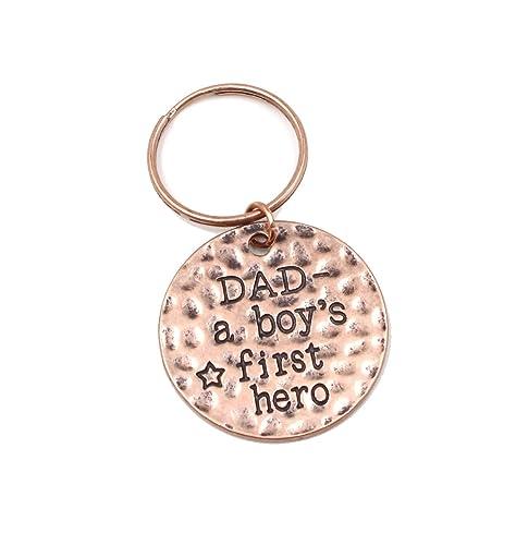 """Amazon.com: Charm.L Grace Llavero con frase """"Dad a ..."""