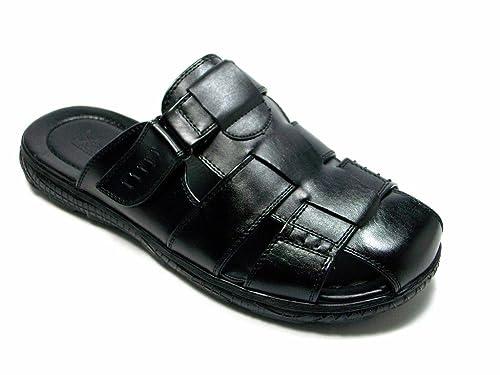Amazon Com Majestic Men S 72315 Black Closed Toe Slip On Sandals