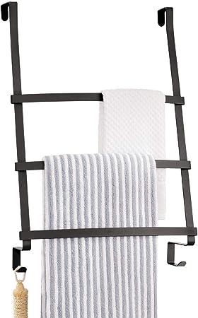 mDesign Colgador de toallas para puerta – Toallero escalera para colocar en el baño sin tornillos – Moderno organizador colgante con tres barras y dos ganchos para colgar – negro: Amazon.es: Hogar