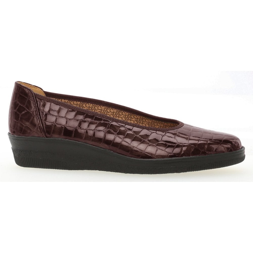 93bcd9556d8 Gabor Womens Piquet Merlot Patent Leather Slip On Wedge Shoes 96.400.95   Amazon.co.uk  Shoes   Bags