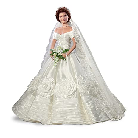 Amazon.com: Commemorative Bride Doll: Jacqueline Kennedy by Ashton ...