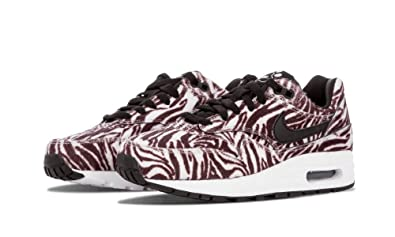 premium selection 3ca87 cc215 Image Unavailable. Image not available for. Color  Nike Air Max 1 QS ...