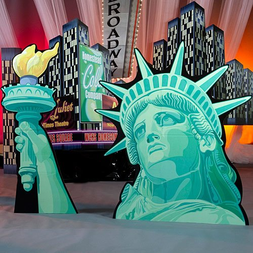 - Patriotic USA Statue of Liberty Standee Standup Photo Booth Prop Background Backdrop Party Decoration Decor Scene Setter Cardboard Cutout