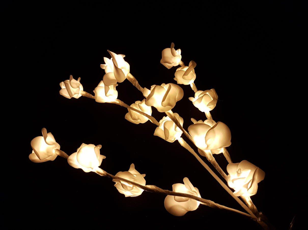 LED Lichter Zweig mit 16 Rosen - warmweiß - Deko Lichterketten Strauß Weihnachtsdekoration Spetebo