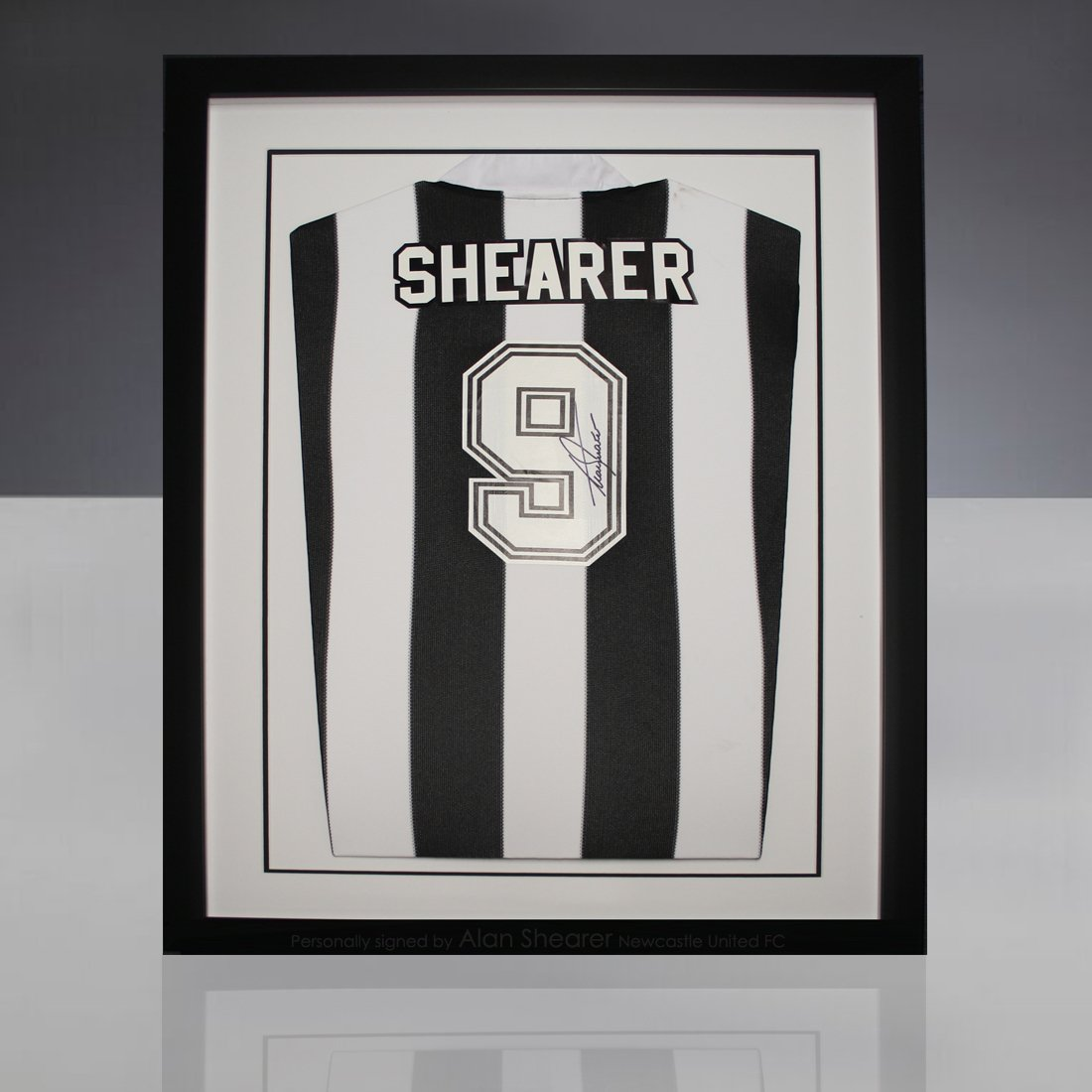 Alan Shearer Newcastle United FC leyenda, firmada de camiseta de fútbol: Amazon.es: Hogar