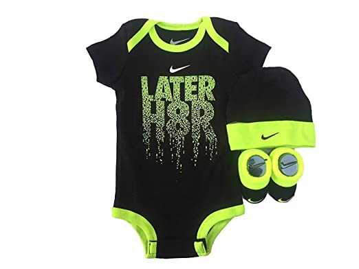 Amazon.com  Nike Infant Babys 3-Piece Bodysuit 5a3ef6beb14
