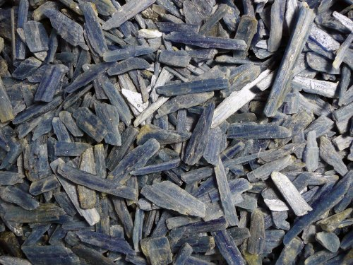 Fantasia Materials: 500 cts Blue Kyanite AA Grade Rough - Raw Natural Crystals for Cabbing, Cutting, Lapidary, Tumbling, Polishing, Wire Wrapping, Wicca and Reiki Crystal HealingWholesale Lot (Brazil Blue Agate)