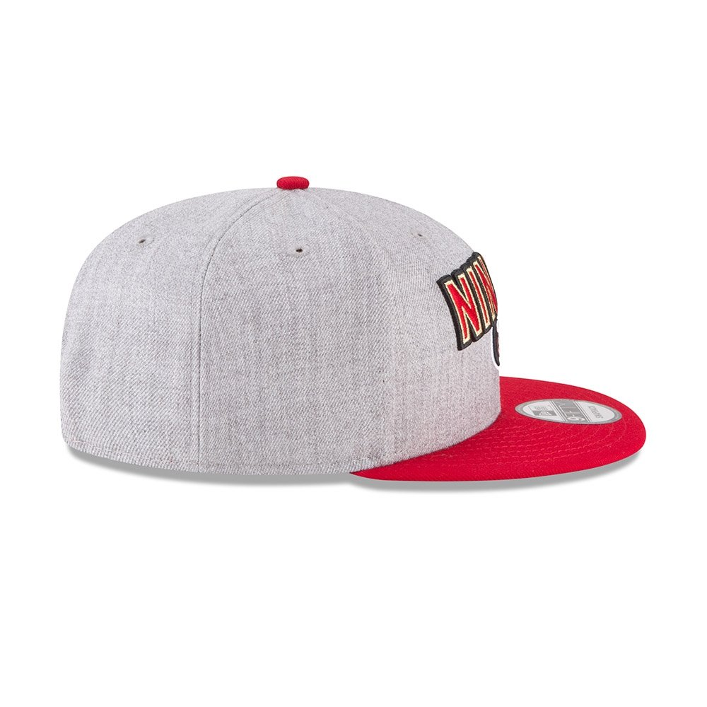 outlet store 06c7f 58ee1 Amazon.com  New Era Authentic San Francisco 49ers Heather Gray Red 2018 NFL  Draft Official On-Stage 9FIFTY Snapback Adjustable Hat  Sports   Outdoors
