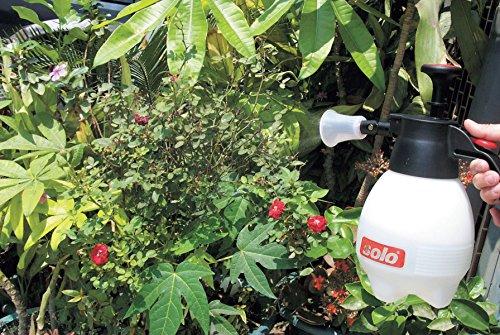 Solo 418-2L 2-Liter One-Hand Pressure Sprayer, Ergonomic Gardening, Fertilizing, Cleaning & General Use Spraying