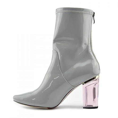 Originales botas con tacon rosa transparente de matacrilato.