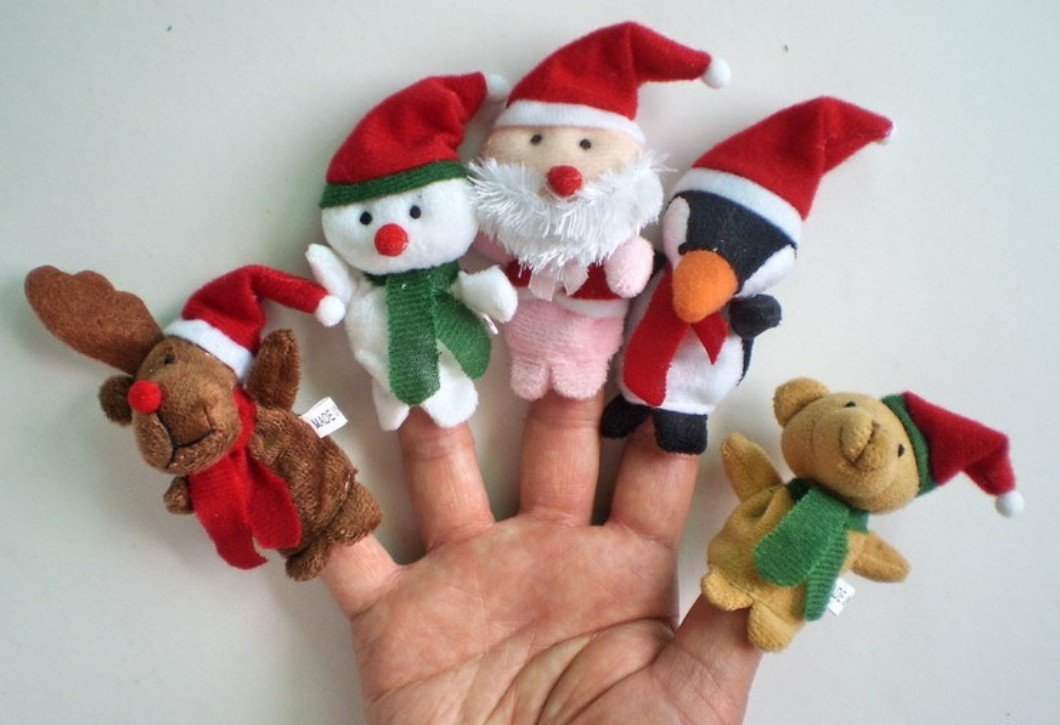 5x Christmas Finger Puppets. 5 styles per set: Reindeer, Snowman, Santa, Penguin and Teddy Bear KiraToys