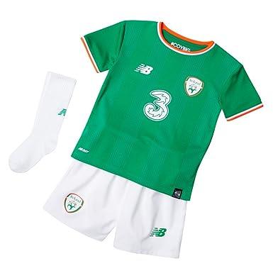 87bfae19ebda2 Amazon.com: New Balance FAI Republic of Ireland 2017/18 Home Kit ...