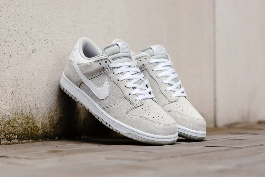 new style 54cfa ce7de Galleon - Nike Dunk Low Mens Trainers 904234 Sneakers Shoes (UK 9 US 10 EU  45, Pale Grey White 002)
