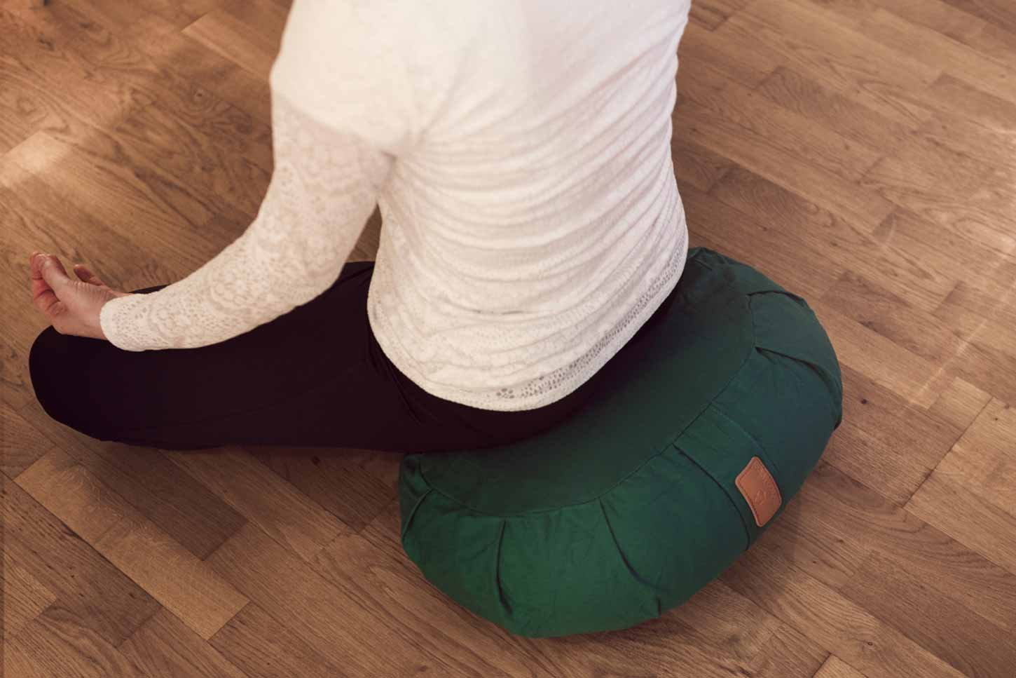 #DoYourYoga Cushion/Pillow for Yoga or Meditation - Filled with Natural Buckwheat/Cover 100% Cotton & Size 5.9'' x11.8'' Apple Green