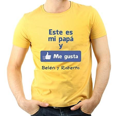 Calledelregalo Regalo para Padres por su cumpleaños, Navidad o el Día del Padre: Camiseta Personalizada Amarilla Me Gusta con su Nombre y el de Sus ...