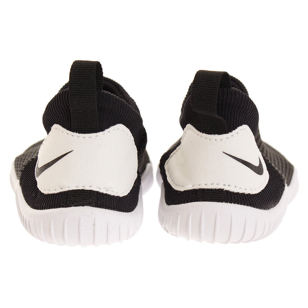 online store a9fb5 30de2 Amazon.com  Nike Kids Baby Boy s Aqua Sock 360 (Infant Toddler)  Shoes