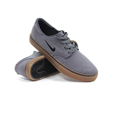 Mens Nike Nike SB Clutch Skate Shoe Grey/Gum