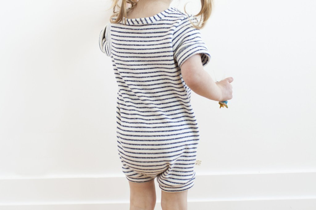 Urkutoba Baby Girls Romper Knitted Ruffle Long Sleeve Jumpsuit Baby Kids Girl Romper Autumn Winter Casual Clothing (0-6 Months, Striped&Buttons) by Urkutoba (Image #4)
