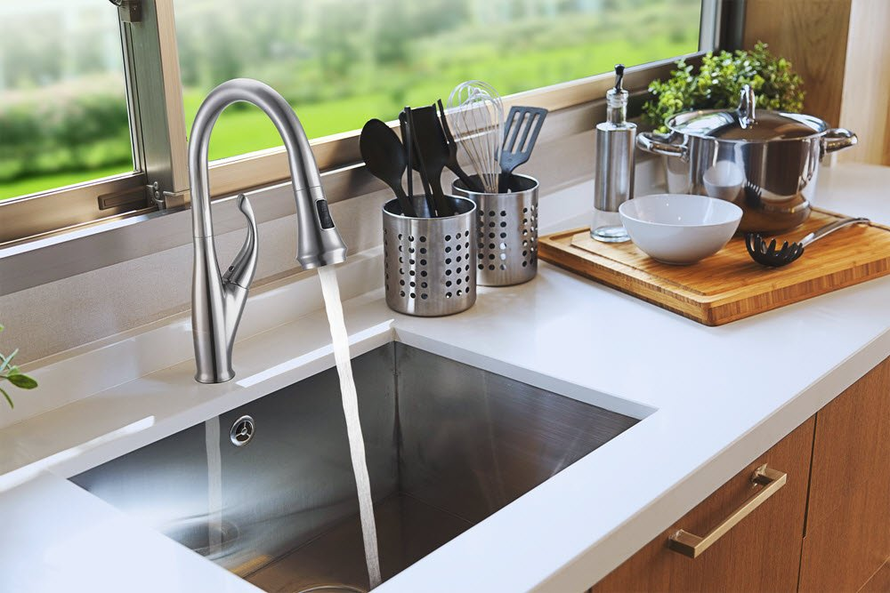 Ultimate KitchenTM - Kitchen Sink Faucet with Pull Out Sprayer ...